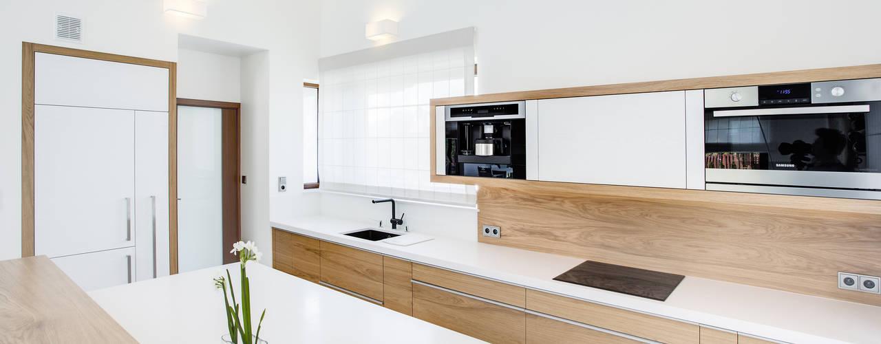 Cocinas de estilo  por DK architektura wnętrz