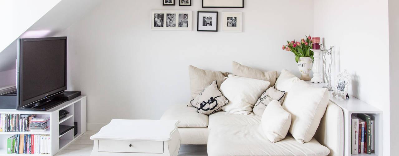 Scandinavian style living room by Meblościanka Studio Scandinavian