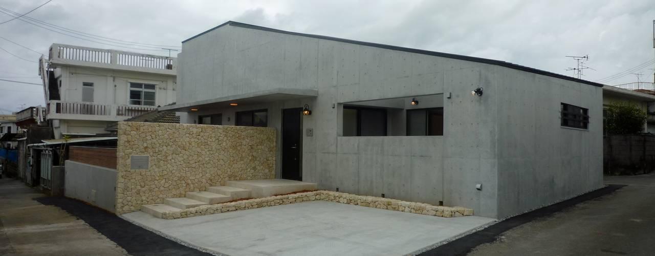 石壁の家 プラソ建築設計事務所 モダンな 家