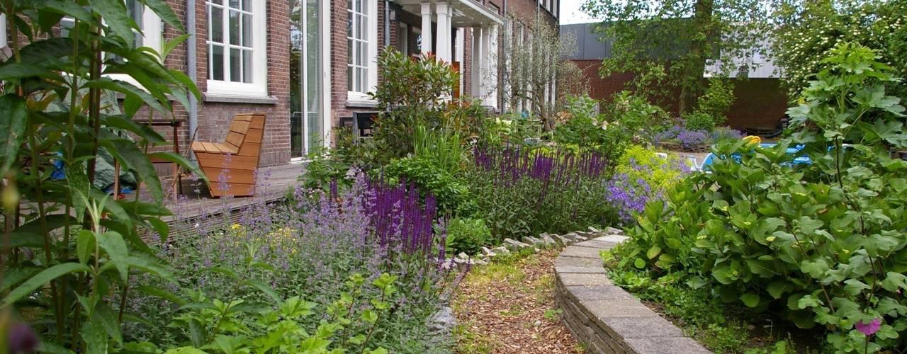 Jardin de style  par Gunneweg & Burg, Classique