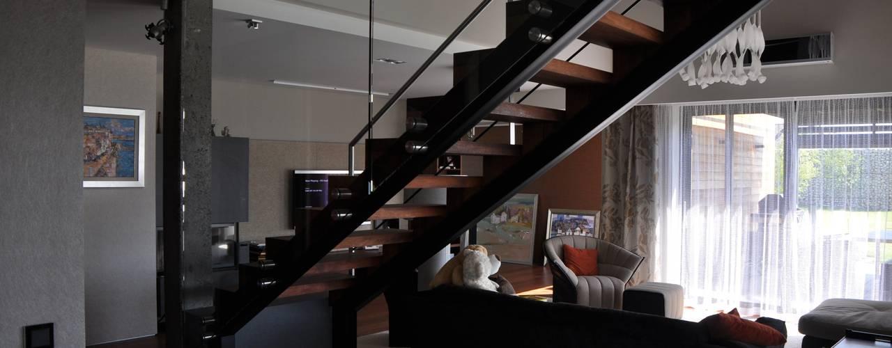 moderne Woonkamer door Studio S Biuro architektoniczne Michał Szymanowski