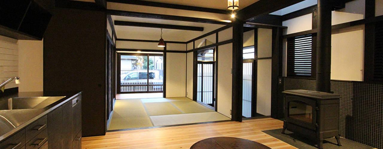 asian Living room by 安井正/クラフトサイエンス
