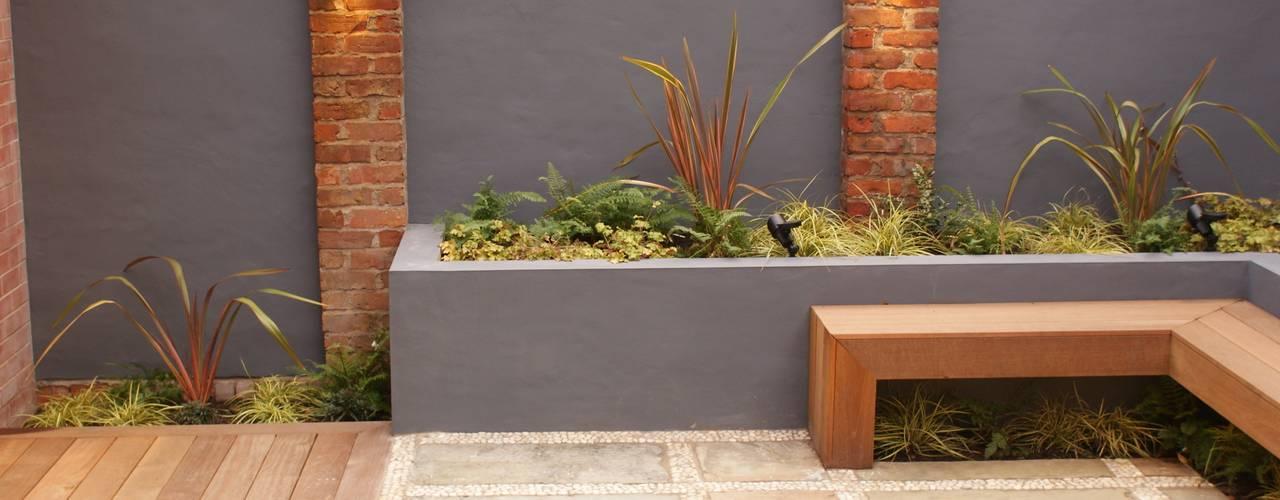 Projekty,   zaprojektowane przez Hannah Collins Garden Design