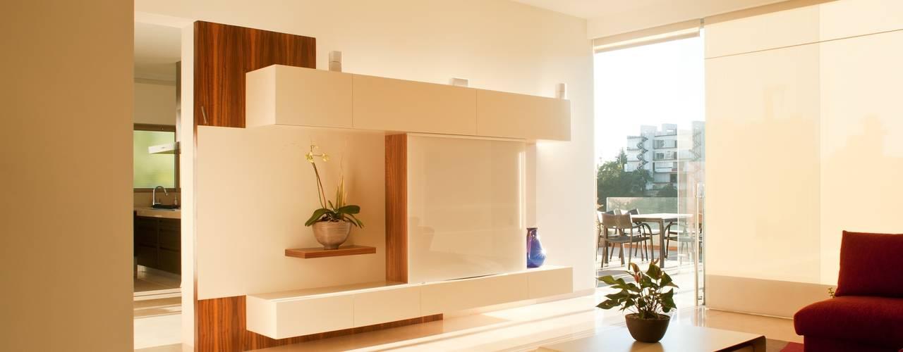 Salas de estar modernas por Gantous Arquitectos