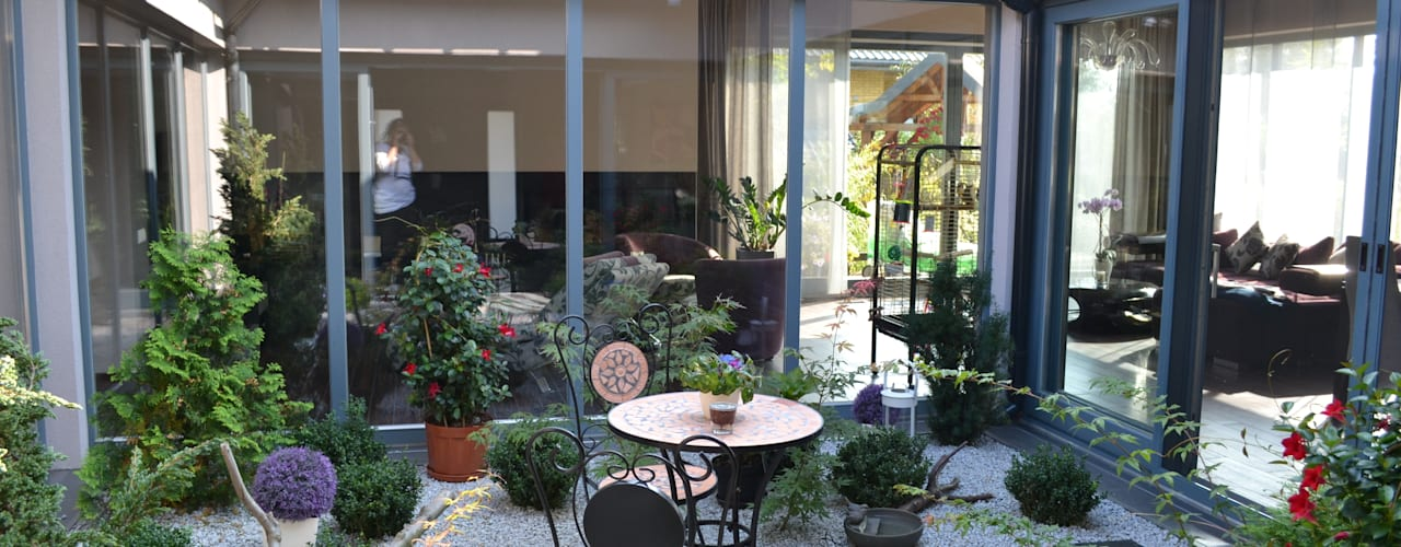 Jardin d'hiver moderne par Autorskie Studio Projektu QUBATURA Moderne