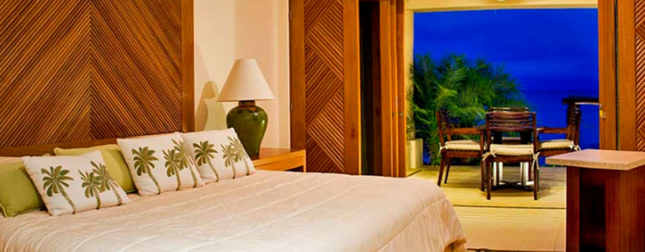 Camera da letto in stile tropicale di BR ARQUITECTOS Tropicale