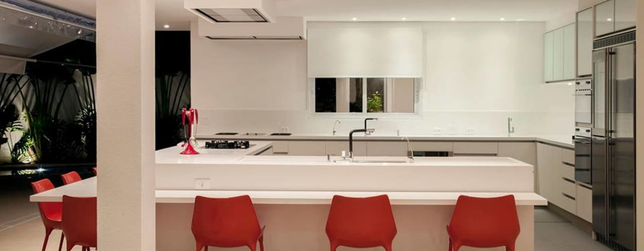 Kitchen by Hurban Liv Arquitetura & Interiores, Modern