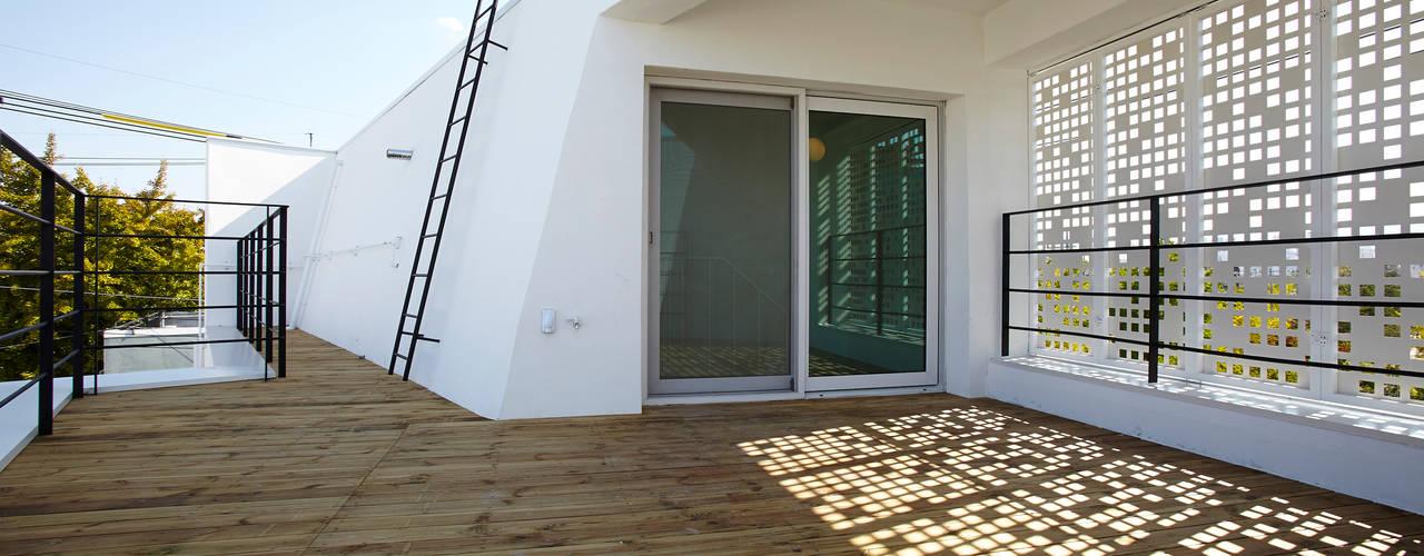 Teras by 스마트건축사사무소