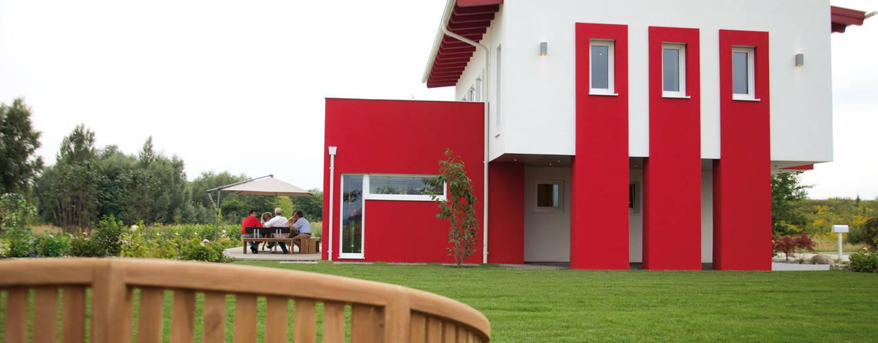 Casas modernas de ELK Fertighaus GmbH Moderno
