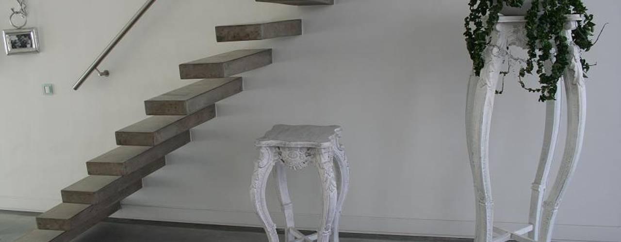 de Allstairs Trappenshowroom Moderno