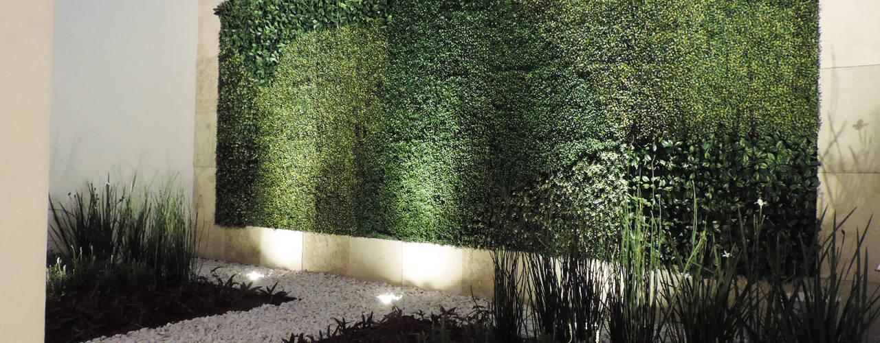 Casa SF: Jardines de estilo  por acosta arquitecto