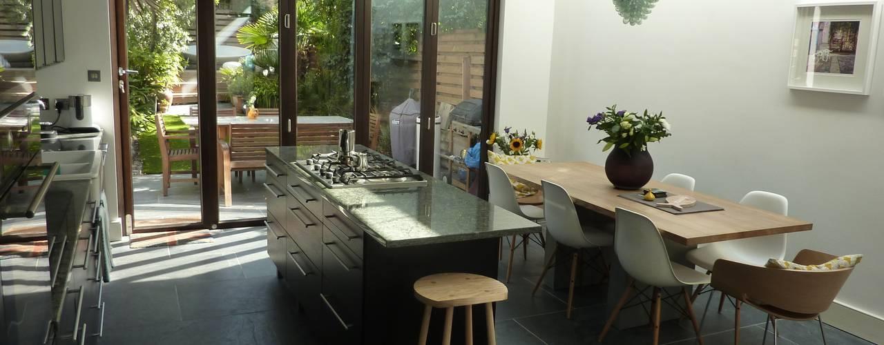 De Beauvoir Rear Kitchen Extension Modern kitchen by Gullaksen Architects Modern