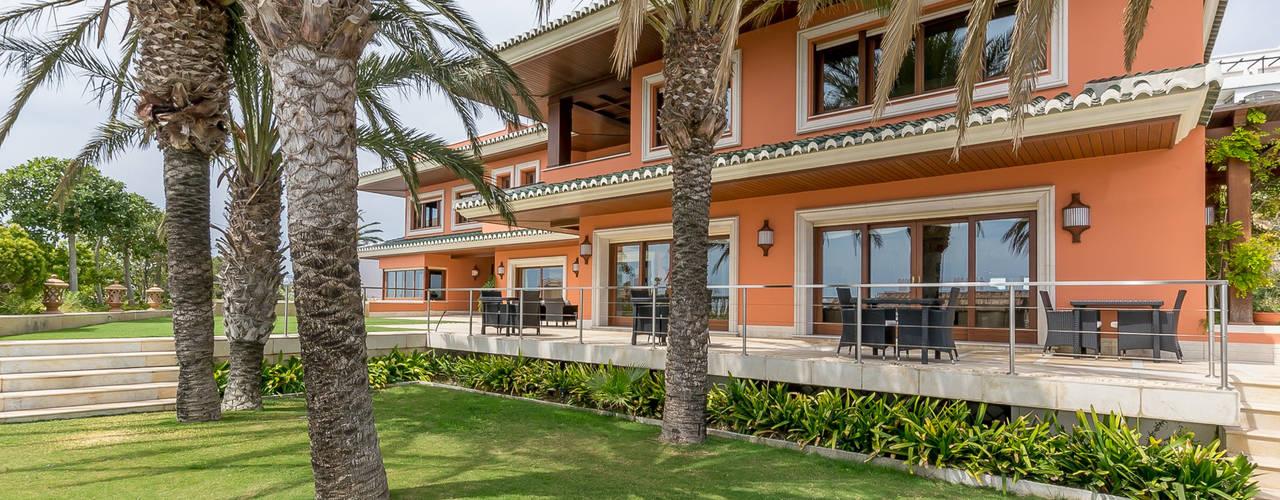 Casas de estilo tropical de Per Hansen Tropical