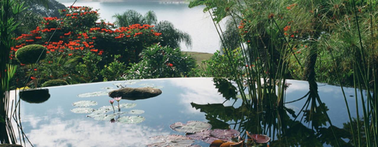 Jardines de estilo  por Eduardo Luppi Paisagismo Ltda., Rústico