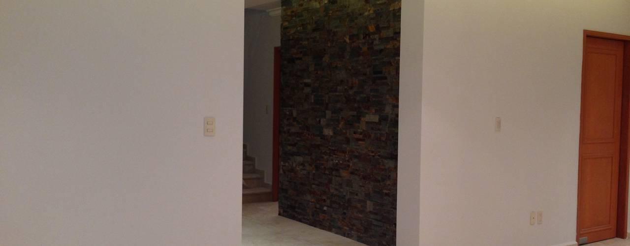 Modern living room by Alejandra Zavala P. Modern