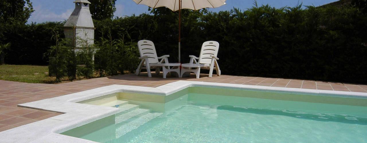 Piscinas de estilo mediterráneo de RENOLIT ALKORPLAN Mediterráneo