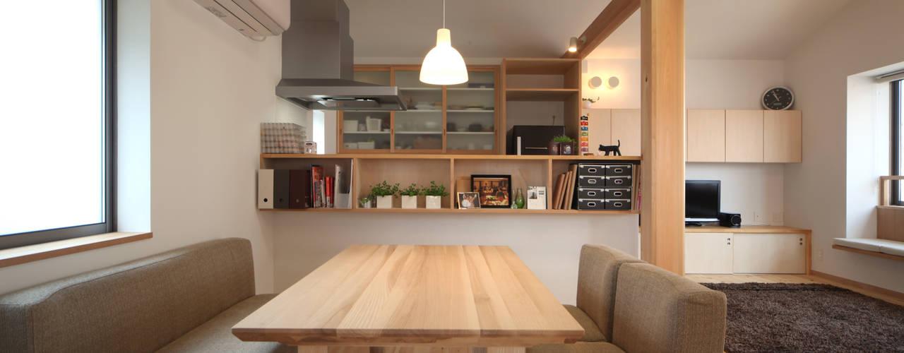 Phòng ăn phong cách Bắc Âu bởi 青木昌則建築研究所 Bắc Âu