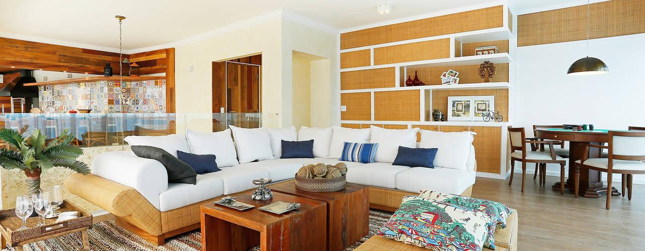 Penthouse Riviera de Sao Lourenço: Salas de estar  por Mayra Lopes Arquitetura   Interiores
