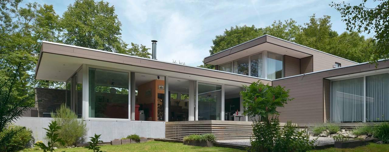 Maison R Maisons modernes par atelier d'architecture FORMa* Moderne