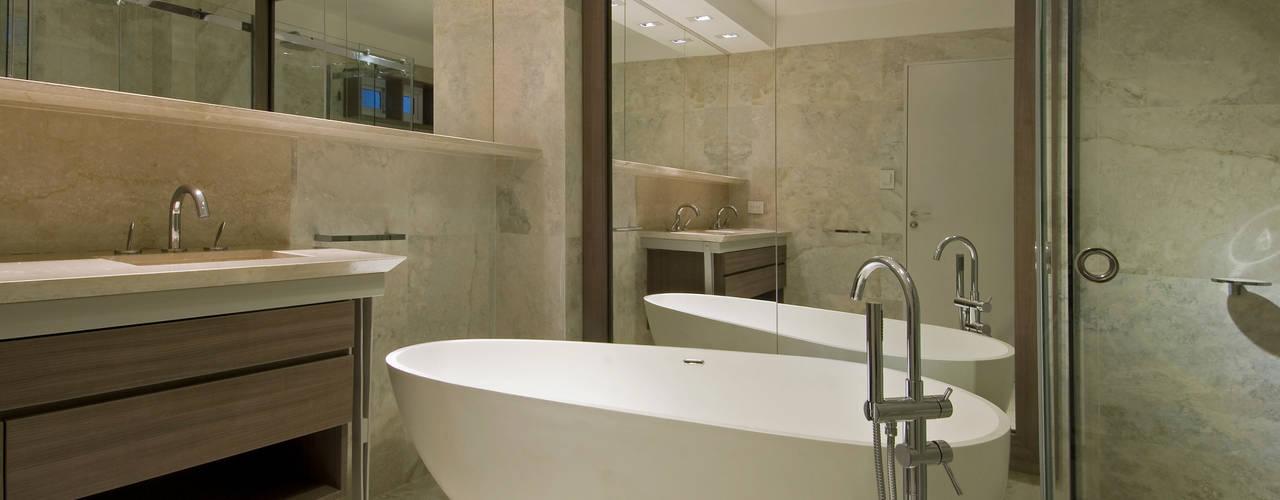 Baños de estilo  por Estudio Sespede Arquitectos
