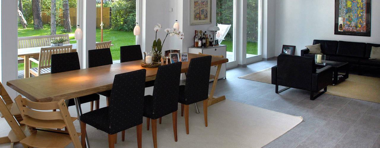 Projekty,  Jadalnia zaprojektowane przez Haacke Haus GmbH Co. KG