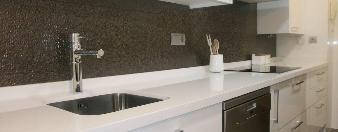 Cocinas de estilo moderno de Cocinasconestilo.net Moderno