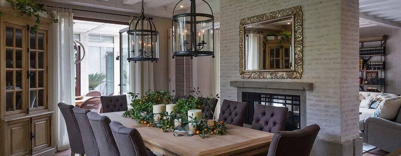 Phòng ăn theo MARIANGEL COGHLAN, Hiện đại