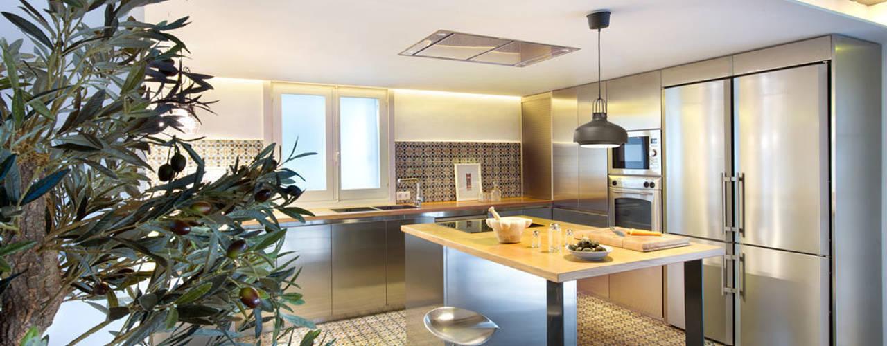 Cozinhas modernas por Egue y Seta Moderno