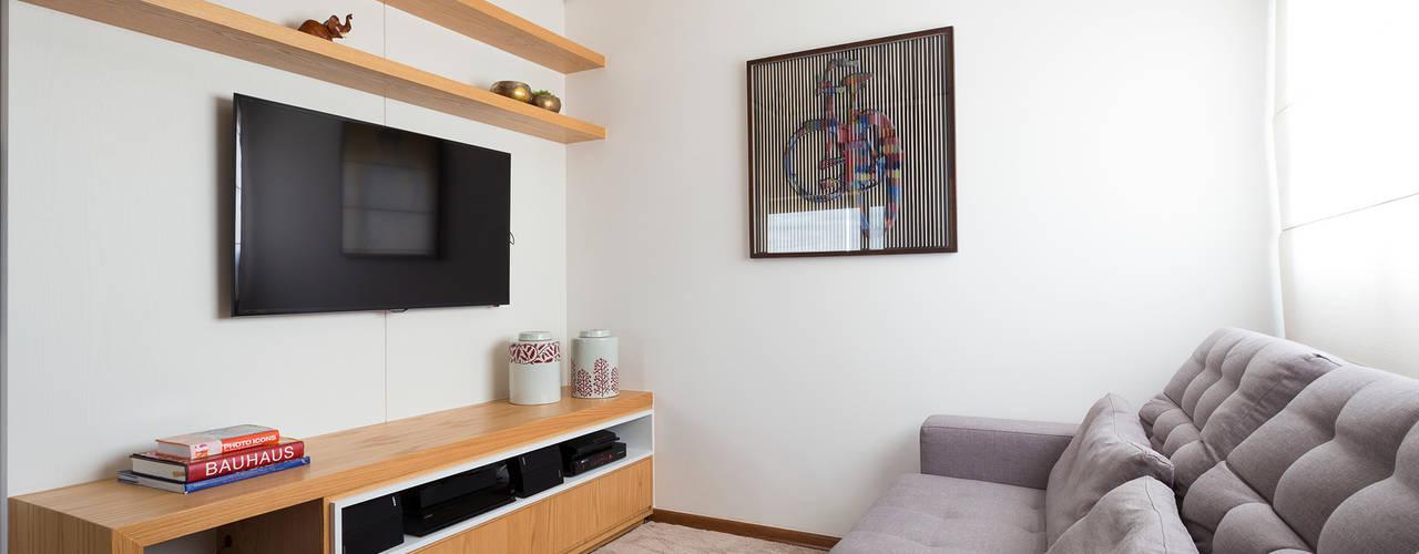 Phòng giải trí by Haruf Arquitetura + Design
