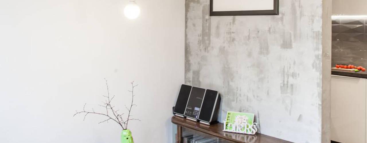 Pink Pug Design Interior: eklektik tarz tarz Oturma Odası