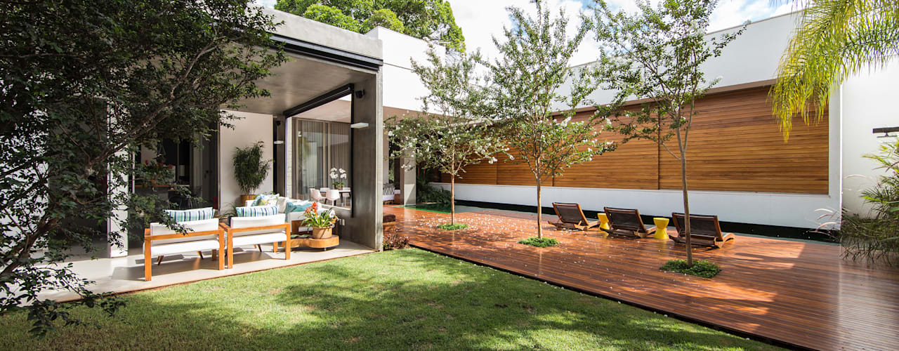Modern Garden by Felipe Bueno Arquitetura Modern
