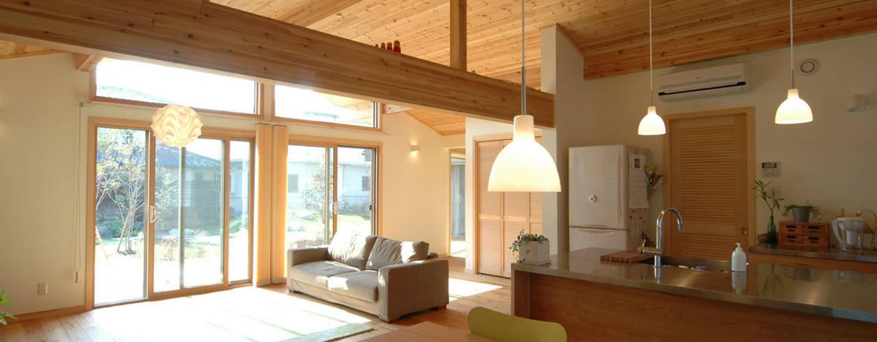 リビングルーム: 木の家株式会社が手掛けたリビングです。
