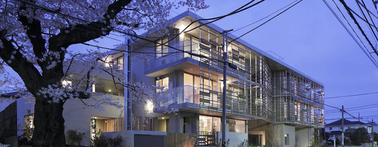 現代房屋設計點子、靈感 & 圖片 根據 ZERO ONE OFFICE 現代風