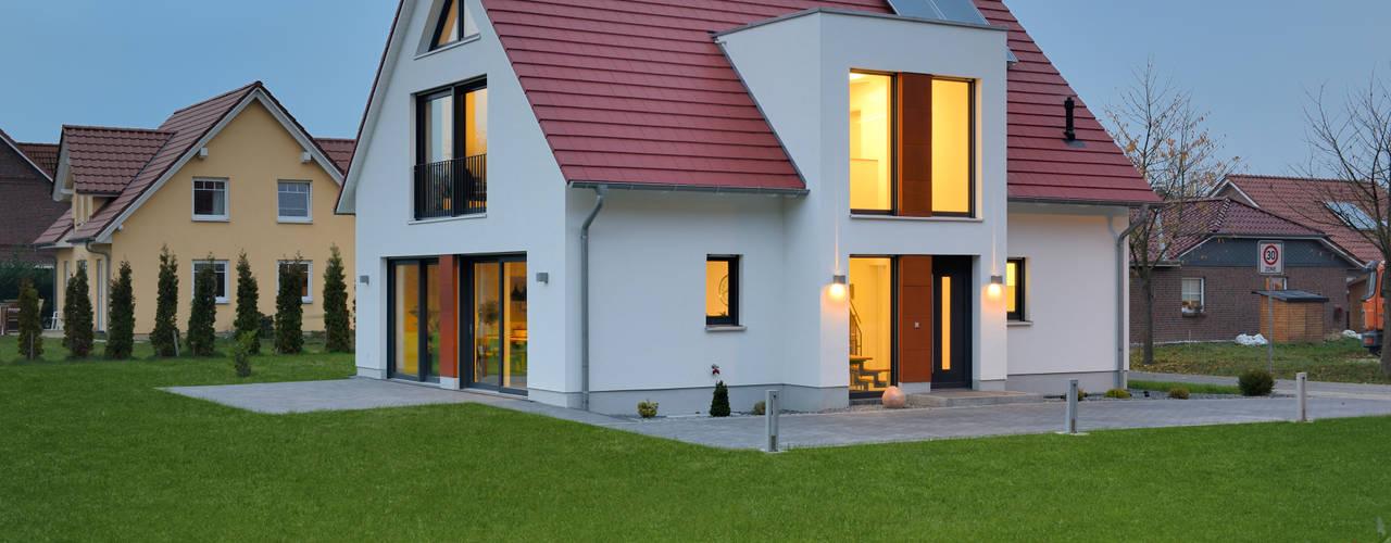 Projekty,  Domy zaprojektowane przez Heinz von Heiden GmbH Massivhäuser, Klasyczny
