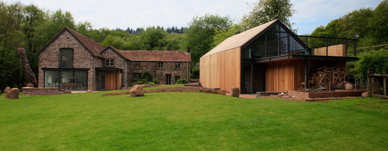 Casas de estilo moderno por Hall + Bednarczyk Architects