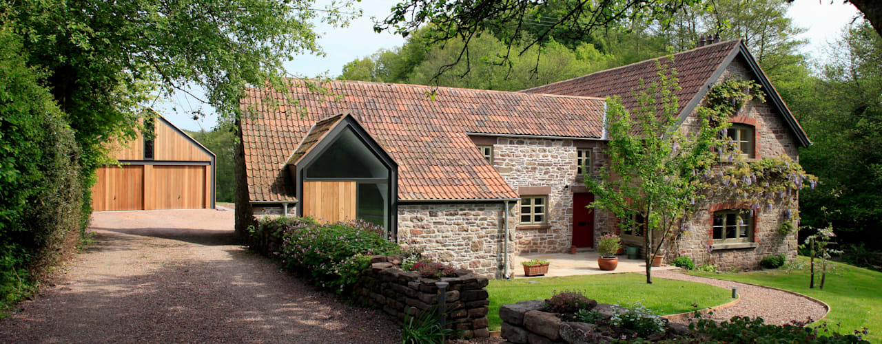 Veddw Farm, Monmouthshire Country style house by Hall + Bednarczyk Architects Country