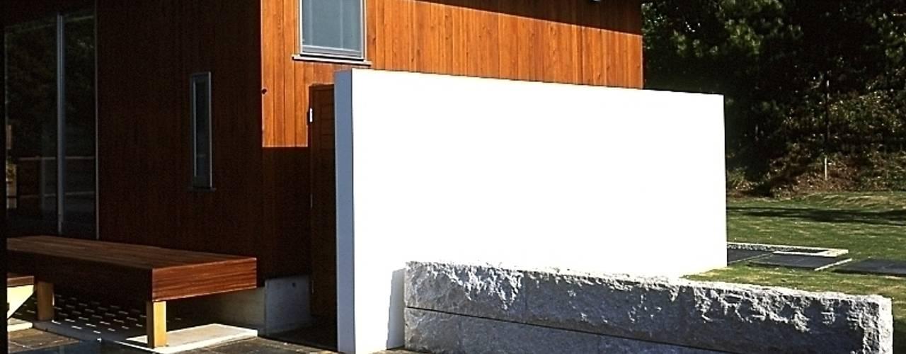 下田の家 モダンデザインの テラス の TAMAI ATELIER モダン