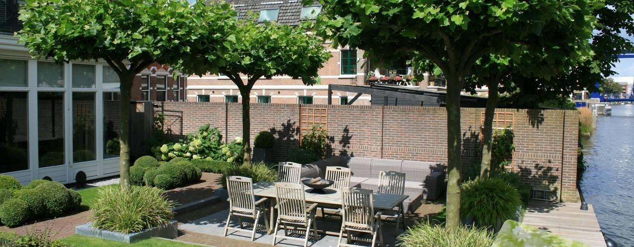 Tuin aan de Oude Rijn:  Tuin door Visser Tuinen