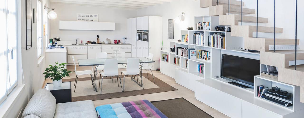 Ruang Keluarga by Pierangelo Laterza
