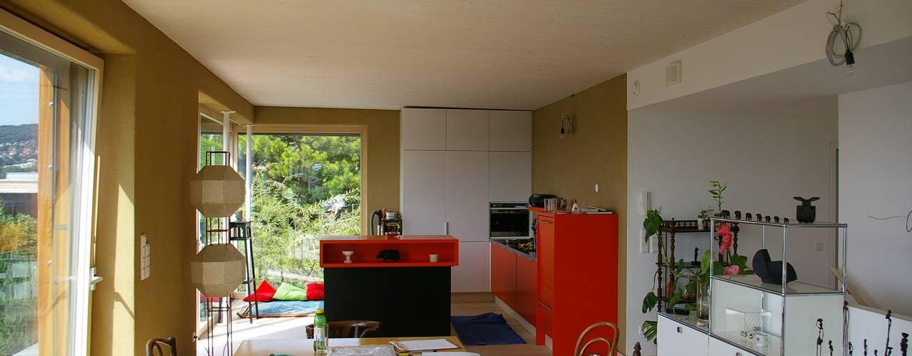 Modern kitchen by Architekturbüro Reinberg ZT GmbH Modern