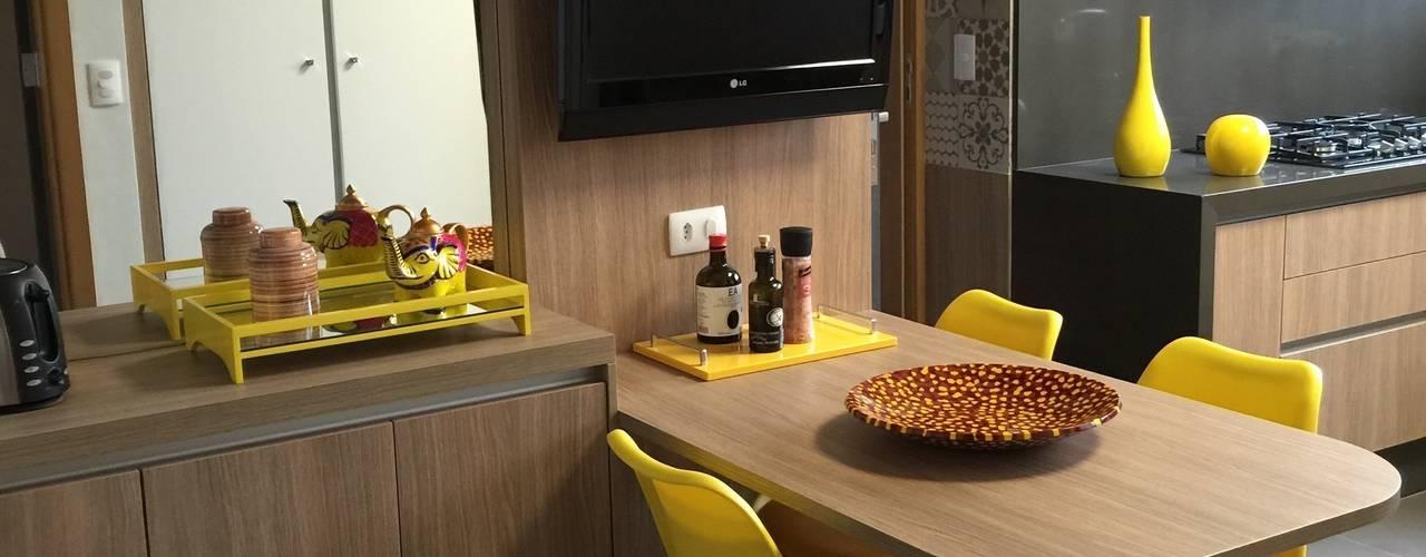 Cozinha charmosa Cozinhas modernas por Adriana Fiali e Rose Corsini - FICODesign Moderno