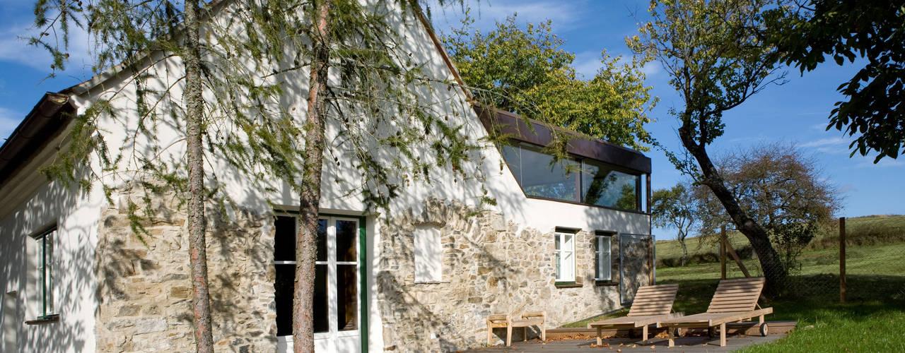 Projekty,  Dom rustykalny zaprojektowane przez gaupenraub+/-