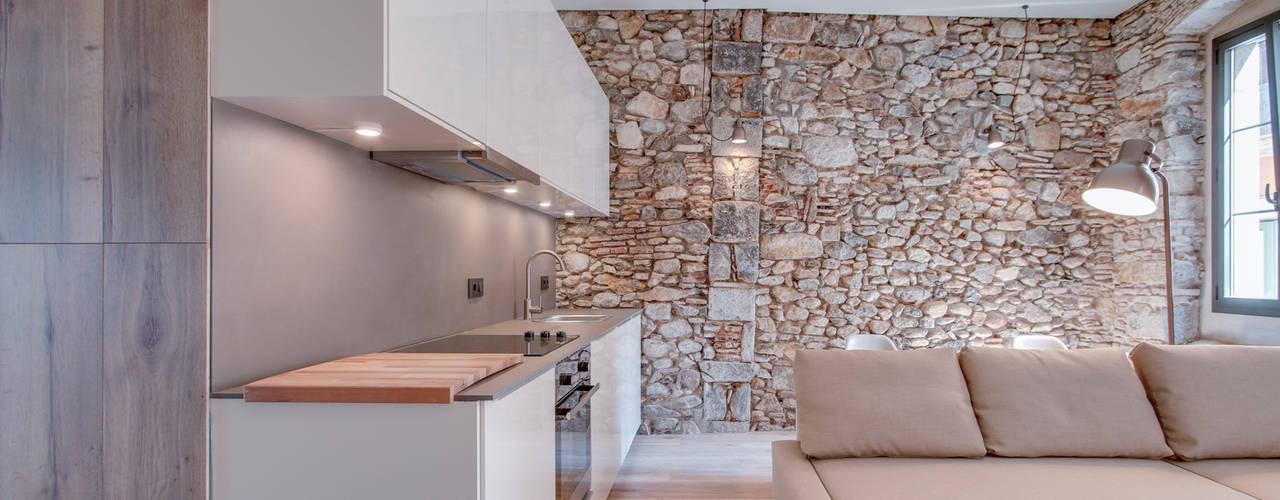 Cocinas de estilo mediterráneo de Lara Pujol | Interiorismo & Proyectos de diseño Mediterráneo
