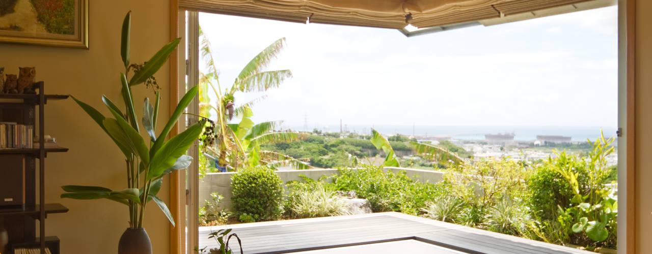 株式会社 東設計工房 Mediterranean style living room