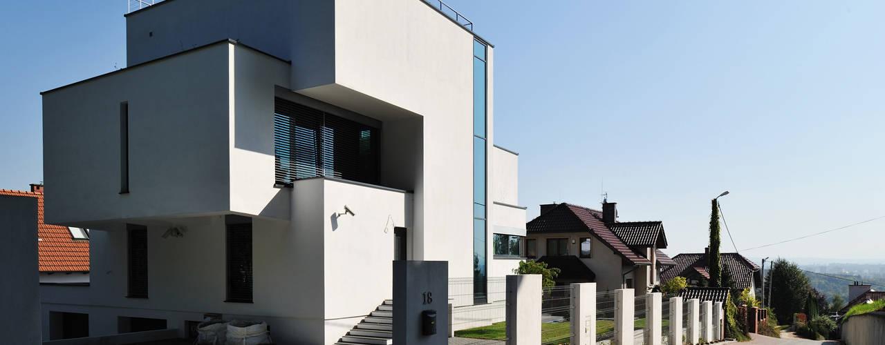 Casas de estilo  por RS+ Robert Skitek