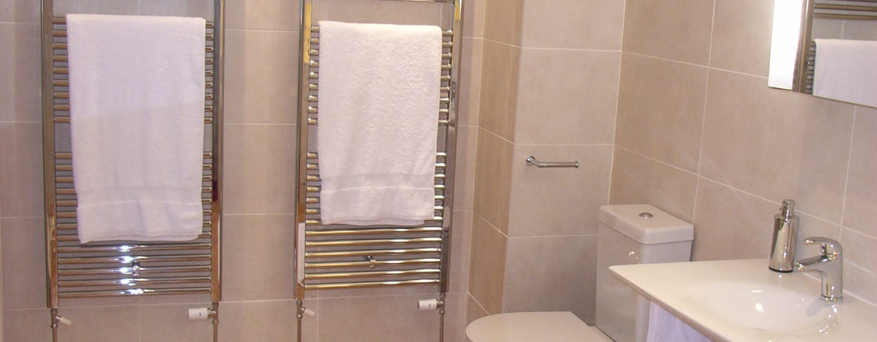 Bathrooms and En-Suites Style Within Moderne Badezimmer