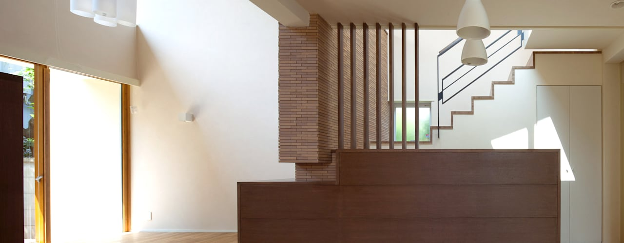 住宅密集地で陽光の恵みを受けるRC住宅|つばさの家 モダンデザインの ダイニング の シーズ・アーキスタディオ建築設計室 モダン