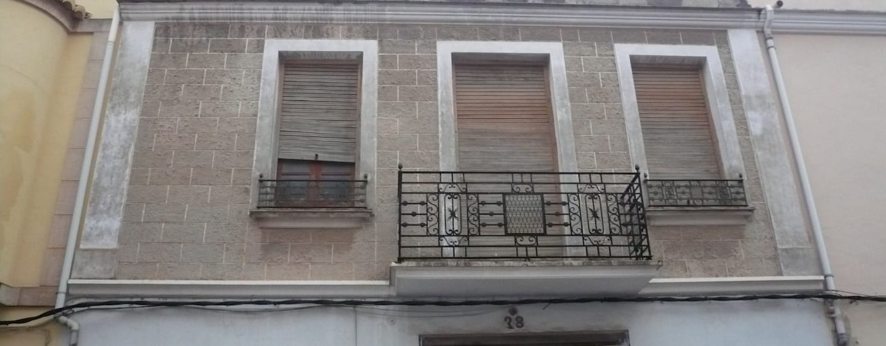 Houses by Aris & Paco Camús
