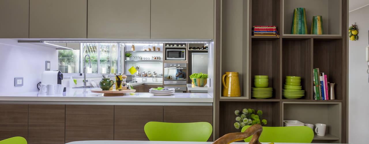 Dapur oleh GUTMAN+LEHRER ARQUITECTAS, Modern