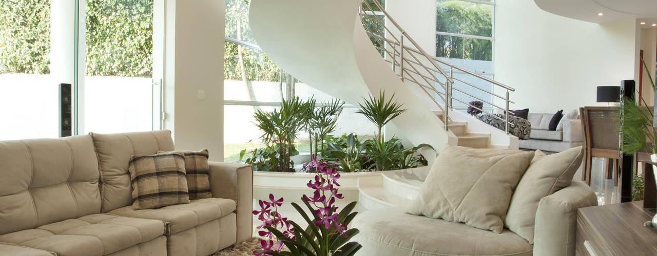 Salas multimedia de estilo moderno de Arquiteto Aquiles Nícolas Kílaris Moderno